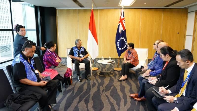 https: img-z.okeinfo.net content 2019 07 13 18 2078404 indonesia-resmi-buka-hubungan-diplomatik-dengan-kepulauan-cook-dan-niue-vNJL0wuKjV.jpg