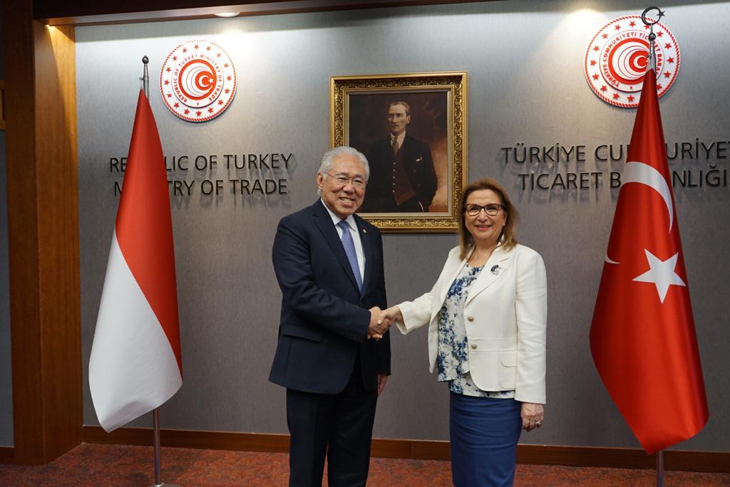 https: img-z.okeinfo.net content 2019 07 13 320 2078467 hasil-pertemuan-mendag-dengan-menteri-perdagangan-turki-G0pdzJeKs3.jpg