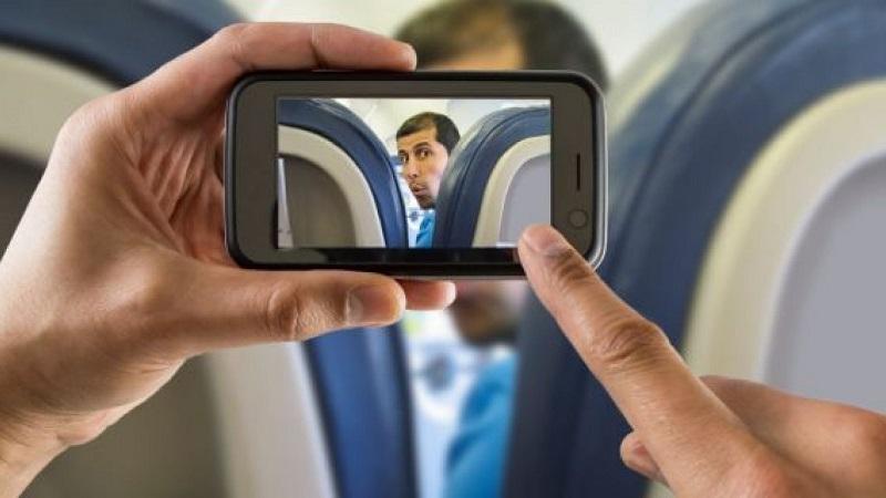 https: img-z.okeinfo.net content 2019 07 16 406 2079661 garuda-indonesia-imbau-penumpang-tak-foto-di-pesawat-ini-pendapat-netizen-17KIr4c2kj.jpg