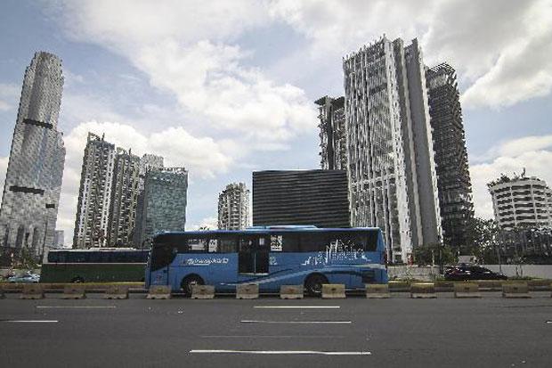 https: img-z.okeinfo.net content 2019 07 16 65 2079485 bus-transjakarta-bakal-ngetem-di-kampus-ui-vWhRvN1483.jpg