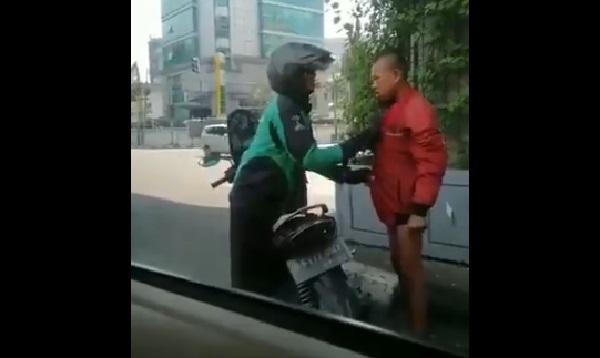 https: img-z.okeinfo.net content 2019 07 19 612 2080891 viral-video-driver-ojek-online-berikan-jaket-untuk-remaja-bugil-di-lampu-merah-MgrtdjtRXo.jpg