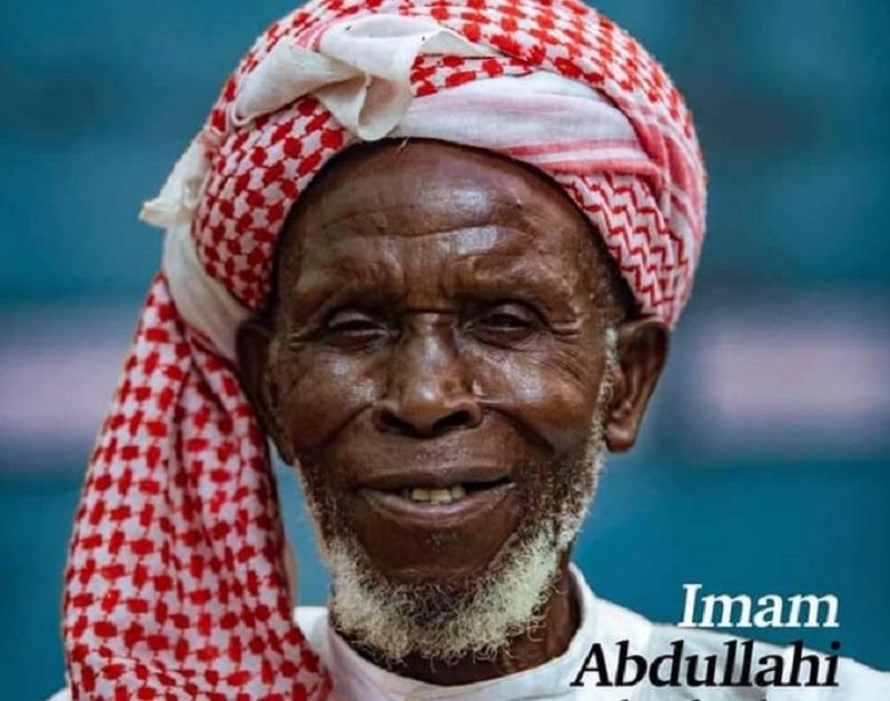 https: img-z.okeinfo.net content 2019 07 19 614 2081025 kisah-imam-abdullahi-selamatkan-300-orang-kristen-dari-serangan-oBYSxZNMOy.jpg