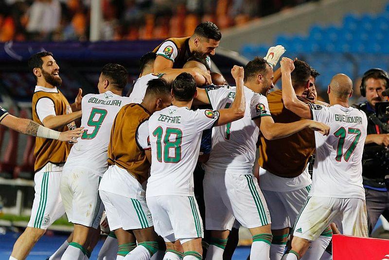 https: img-z.okeinfo.net content 2019 07 20 51 2081286 timnas-aljazair-juara-piala-afrika-2019-usai-kalahkan-senegal-1-0-8kTaGxt9zd.jpg