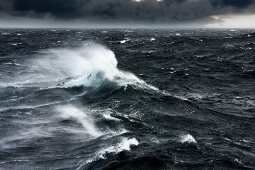 https: img-z.okeinfo.net content 2019 07 22 510 2082223 gelombang-setinggi-7-meter-diperkirakan-terjadi-di-pantai-selatan-yogyakarta-H5wNaCXIXJ.jpg