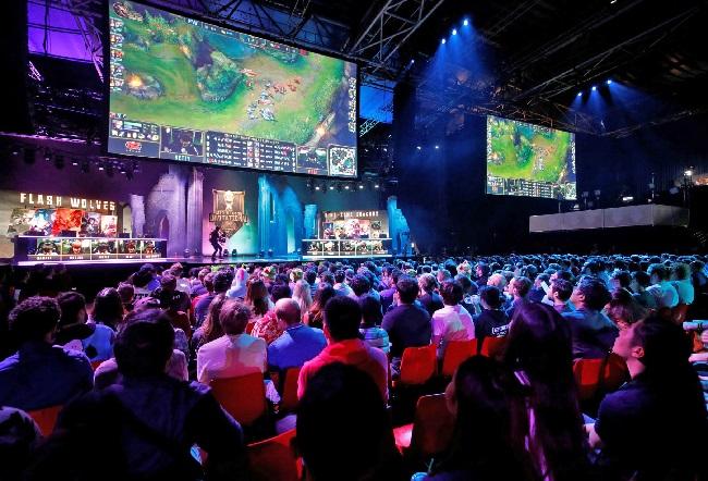 https: img-z.okeinfo.net content 2019 07 23 326 2082543 regulasi-game-dan-esports-masih-digodok-lintas-kementerian-zJBapy8mpl.jpg