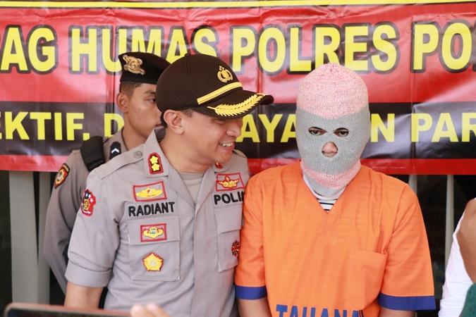 https: img-z.okeinfo.net content 2019 07 23 519 2082636 sebarkan-video-mesum-kekasihnya-di-medsos-pemuda-ponorogo-ditangkap-xHqzfGJlFs.jpg