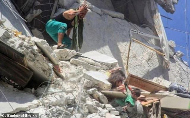 https: img-z.okeinfo.net content 2019 07 26 18 2083933 upaya-terakhir-gadis-5-tahun-selamatkan-adik-usai-rumah-terkena-bom-FepvHtwoI2.jpg