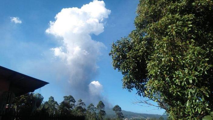 https: img-z.okeinfo.net content 2019 07 28 525 2084746 pasca-erupsi-status-gunung-tangkuban-parahu-terpantau-normal-aWWnyy4VDm.JPG