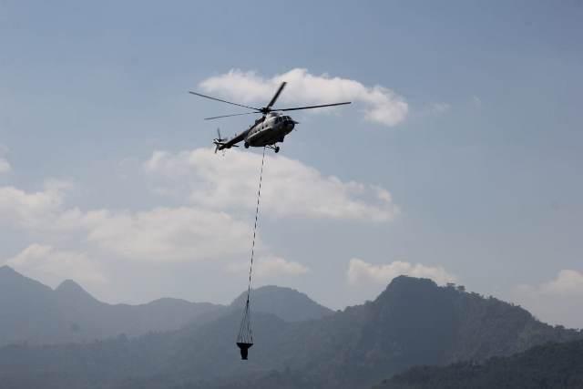 https: img-z.okeinfo.net content 2019 08 04 519 2087456 bnpb-lanjutkan-pemadaman-kebakaran-di-gunung-arjuno-dengan-water-bombing-DJBWJMREjC.jpg