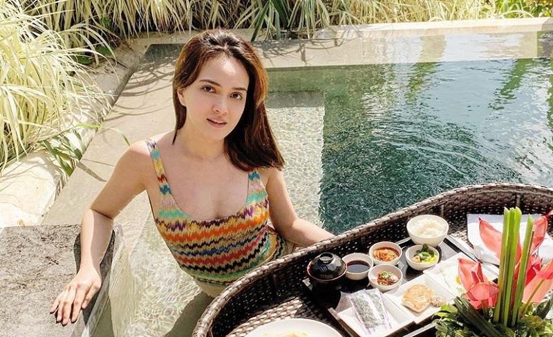 https: img-z.okeinfo.net content 2019 08 06 33 2088503 hamil-4-bulan-tubuh-shandy-aulia-saat-kenakan-bikini-jadi-sorotan-Fdcyb5TpFH.jpg