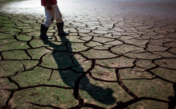 https: img-z.okeinfo.net content 2019 08 06 525 2088507 20-kabupaten-kota-di-jabar-kekeringan-20-621-hektare-lahan-pertanian-terdampak-eBwROVpddP.jpg