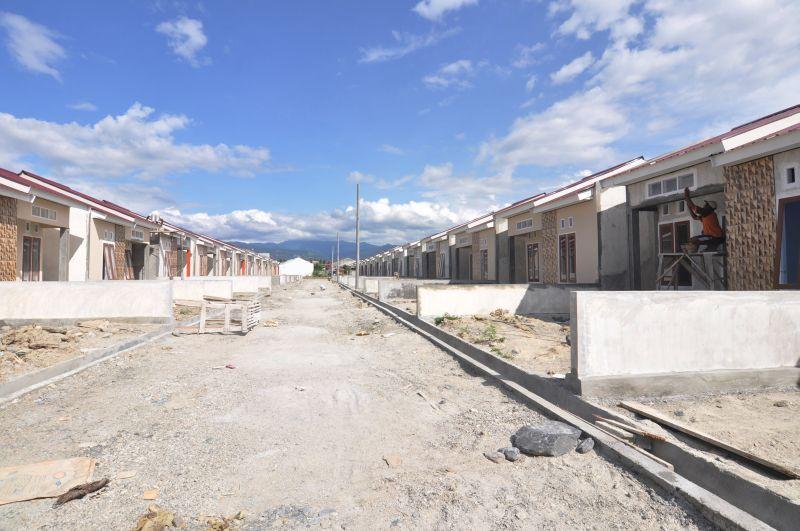 https: img-z.okeinfo.net content 2019 08 07 470 2088892 kementerian-pupr-fokus-kembangkan-pembangunan-rumah-berbasis-komunitas-rWrUwkXzWc.jpg