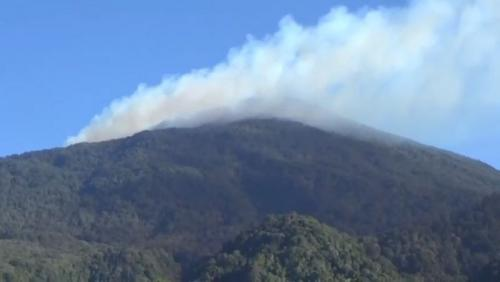 https: img-z.okeinfo.net content 2019 08 09 525 2089990 penyebab-kebakaran-di-gunung-ciremai-masih-misteri-nnt9yv26ed.jpg