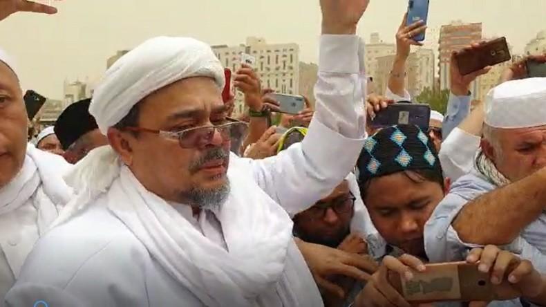 https: img-z.okeinfo.net content 2019 08 09 614 2089862 polemik-doa-habib-rizieq-di-pemakaman-mbah-moen-FmFb6SpEU5.jpg