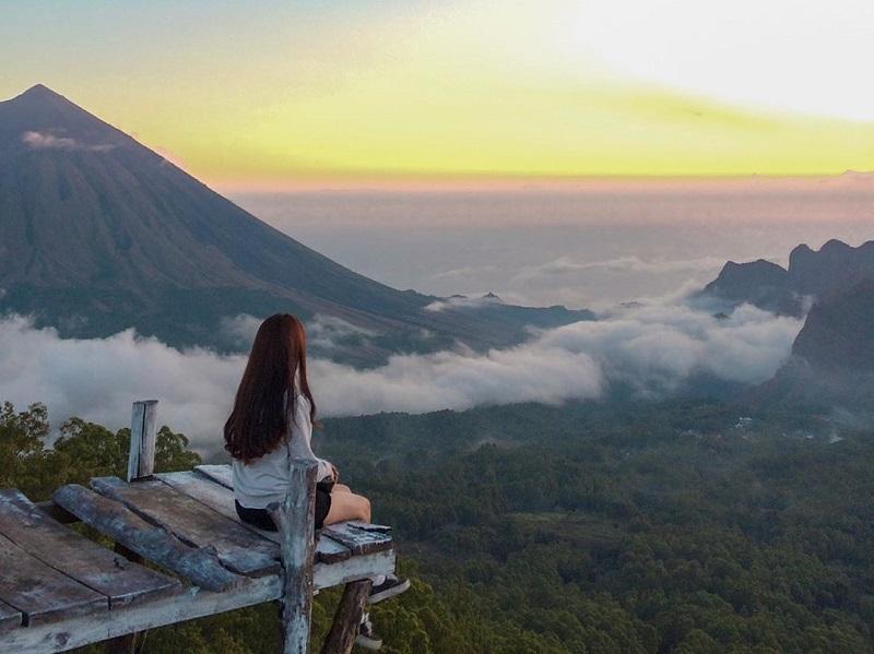 https: img-z.okeinfo.net content 2019 08 10 406 2090166 gaet-wisman-kabupaten-ngada-ntt-siap-kembangkan-eco-tourism-RZaMACjuE0.jpg