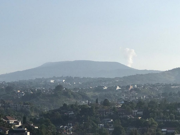 https: img-z.okeinfo.net content 2019 08 12 525 2090715 gunung-tangkuban-parahu-kembali-erupsi-pagi-ini-34bRGKBv7c.jpg