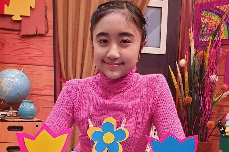 https: img-z.okeinfo.net content 2019 08 13 205 2091350 cyra-alesha-idol-junior-ajak-anak-indonesia-berpetualang-lewat-liburan-yuk-VM6kTVfjDR.jpg