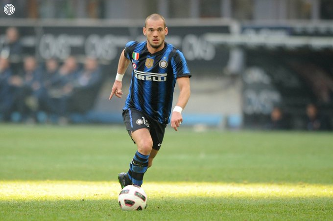 https: img-z.okeinfo.net content 2019 08 13 51 2091123 wesley-sneijder-tutup-karier-sebagai-pemain-profesional-zuEarRuFNh.jpg
