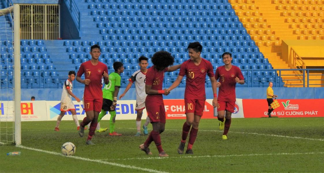 https: img-z.okeinfo.net content 2019 08 14 51 2091650 siapa-lawan-timnas-indonesia-u-18-di-semifinal-piala-aff-u-18-2019-malaysia-atau-vietnam-xZlPhp3ccF.jpg