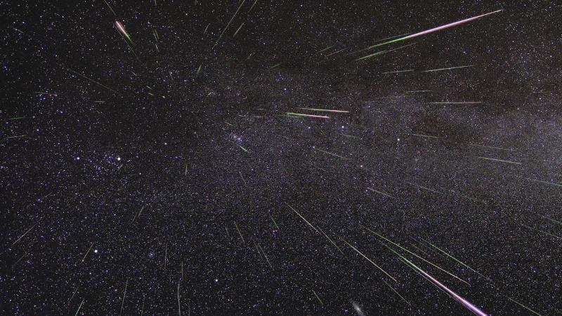 https: img-z.okeinfo.net content 2019 08 14 56 2091733 ini-foto-foto-penampakan-hujan-meteor-perseid-vWjXEJwBx1.jpg
