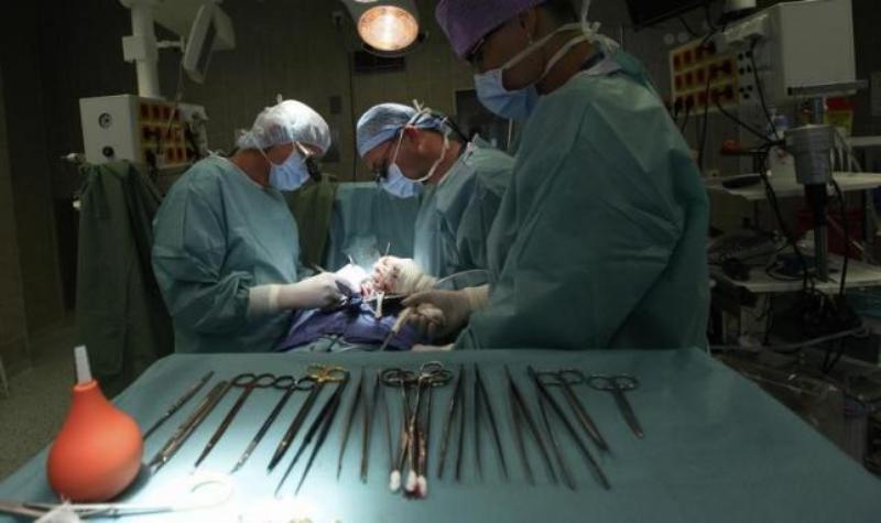 https: img-z.okeinfo.net content 2019 08 15 18 2092219 diduga-ambil-organ-pasien-secara-ilegal-enam-staf-rumah-sakit-di-china-ditahan-ujWVMeFmAn.jpg