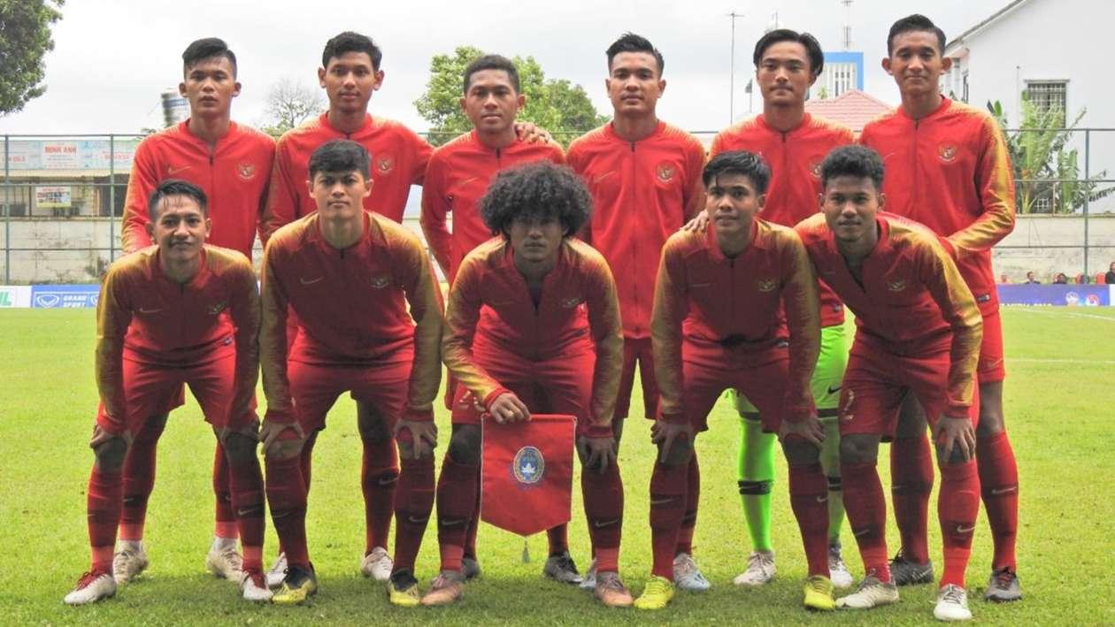 https: img-z.okeinfo.net content 2019 08 17 51 2093188 prakiraan-susunan-pemain-timnas-indonesia-u-18-vs-malaysia-dkOXlt9No8.jpg