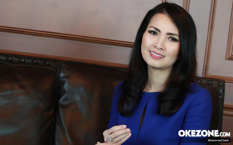 https: img-z.okeinfo.net content 2019 08 18 205 2093499 lagu-indonesia-jaya-karya-liliana-tanoesoedibjo-dinyanyikan-para-artis-dengan-indah-tQ61r0ZmVj.jpg