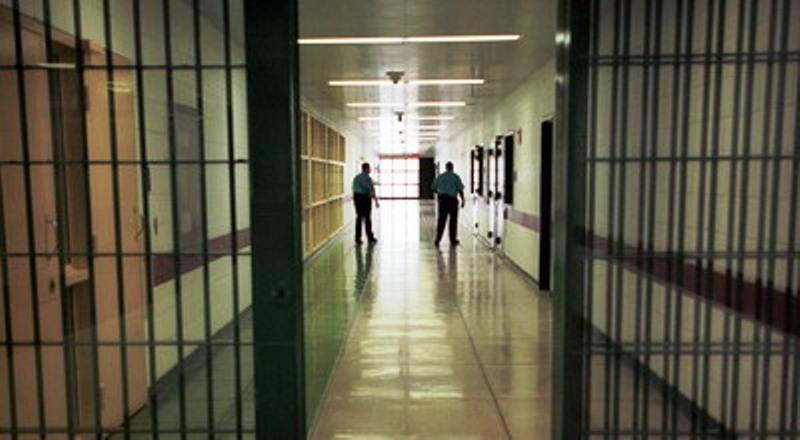 https: img-z.okeinfo.net content 2019 08 18 609 2093459 5-648-narapidana-di-sulsel-dapat-remisi-hut-ri-9DgKzp7sZK.jpg