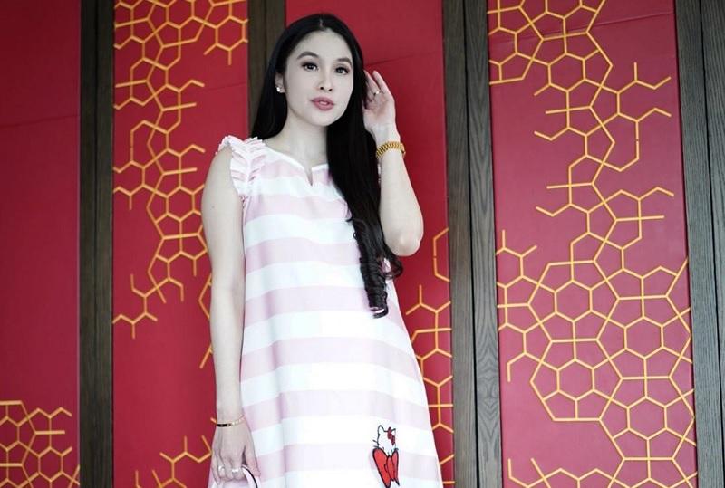 Ukuran Perut Sandra Dewi Bikin Netizen Heran
