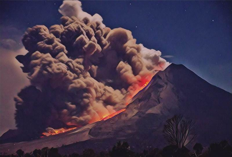 https: img-z.okeinfo.net content 2019 08 19 337 2093666 begini-geliat-7-gunung-api-paling-aktif-di-indonesia-sepekan-lalu-9RKGl2RgQ3.jfif