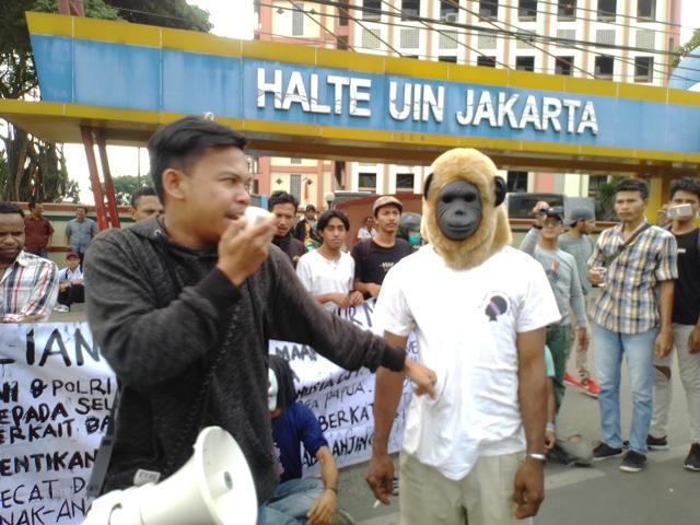 https: img-z.okeinfo.net content 2019 08 20 338 2094365 mahasiswa-papua-gelar-aksi-damai-di-depan-uin-jakarta-lalin-macet-vJVvlWBQfI.jpg