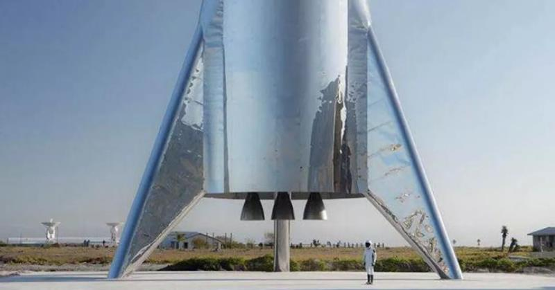 https: img-z.okeinfo.net content 2019 08 26 56 2096872 roket-mars-starhopper-milik-spacex-bakal-melompat-ke-angkasa-Pg88uqTGa7.jpg
