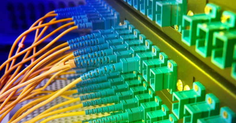 https: img-z.okeinfo.net content 2019 08 31 54 2098966 insiden-pemotongan-kabel-fiber-optik-rugikan-konsumen-ini-kata-apjii-dbuCiEjr2w.jpg