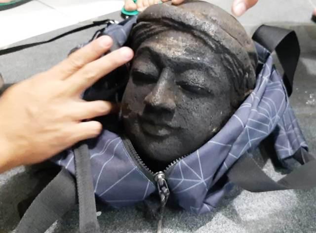 https: img-z.okeinfo.net content 2019 09 03 512 2100281 curi-arca-kepala-eyang-bancelono-satpam-ini-terancam-7-tahun-penjara-g6kTeZVfKG.jpg