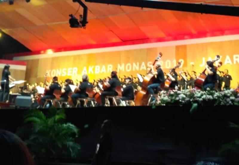 https: img-z.okeinfo.net content 2019 09 08 338 2102200 konser-musik-klasik-akbar-di-monas-dihadiri-13-100-orang-0lWeI24deK.jpg
