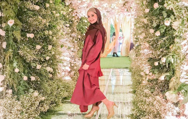 https: img-z.okeinfo.net content 2019 09 09 33 2102301 alhamdulillah-aktris-marcella-simon-menjadi-mualaf-9VC0Ilyc9r.JPG