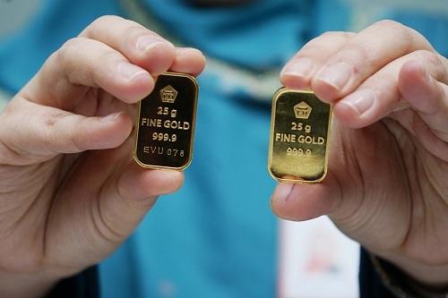 https: img-z.okeinfo.net content 2019 09 10 320 2102803 turun-lagi-harga-emas-antam-dijual-rp754-000-gram-l698XeQB7Y.jpg