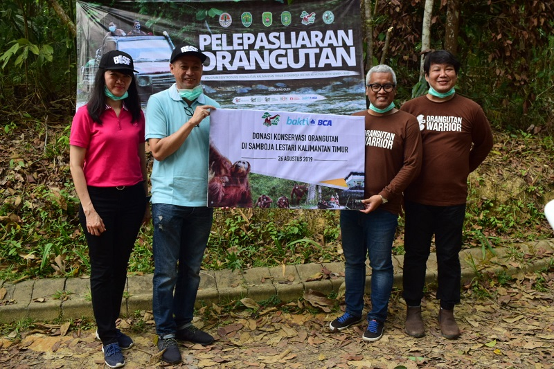 https: img-z.okeinfo.net content 2019 09 11 11 2103548 semarakkan-hut-ke-74-ri-bca-gandeng-bos-lepasliarkan-orangutan-rd1ClzeUrc.jpg