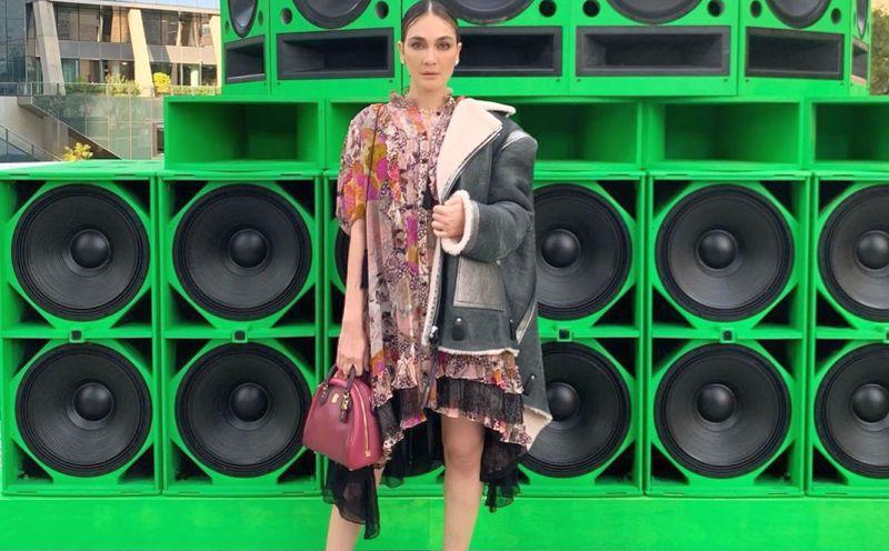 https: img-z.okeinfo.net content 2019 09 11 194 2103552 hadiri-new-york-fashion-week-harga-busana-luna-maya-bikin-sobat-misqueen-menjerit-tcjCQ36TVf.jpg