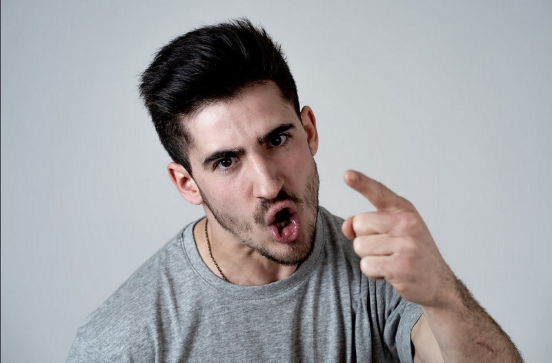 Bagaimana jika kamu bertemu dengan seseorang yang memiliki tutur kata dan memiliki perbuatan yang tidak menyenangkan?.