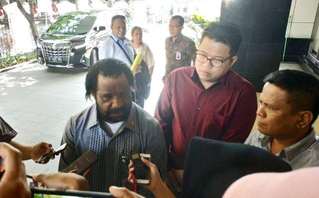 https: img-z.okeinfo.net content 2019 09 12 337 2103761 lenis-kogoya-sambut-baik-rencana-jokowi-bangun-istana-di-papua-ufbebsmAql.jpg