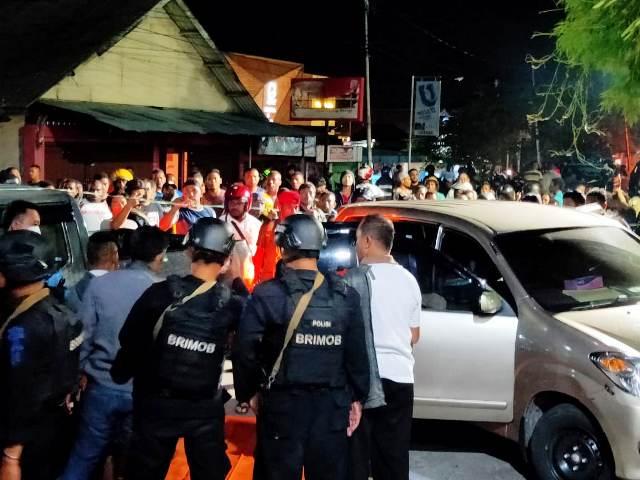https: img-z.okeinfo.net content 2019 09 12 340 2103751 anggota-dprd-papua-barat-ditemukan-meninggal-di-dalam-mobil-Bwr894oJX0.jpg