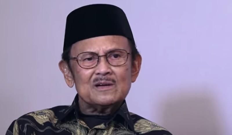 https: img-z.okeinfo.net content 2019 09 12 56 2103842 presiden-jokowi-habibie-ilmuwan-dan-bapak-teknologi-indonesia-XbT5DGm678.jpg