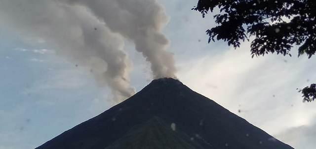 https: img-z.okeinfo.net content 2019 09 13 337 2104509 gunung-karangetang-erupsi-47-warga-desa-dievakuasi-0ADQ0tZyqp.jpg