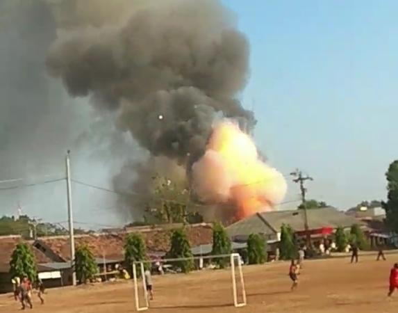 https: img-z.okeinfo.net content 2019 09 14 337 2104756 gudang-senjata-brimob-polda-jateng-dikabarkan-terbakar-XVBByMBpjT.jpg