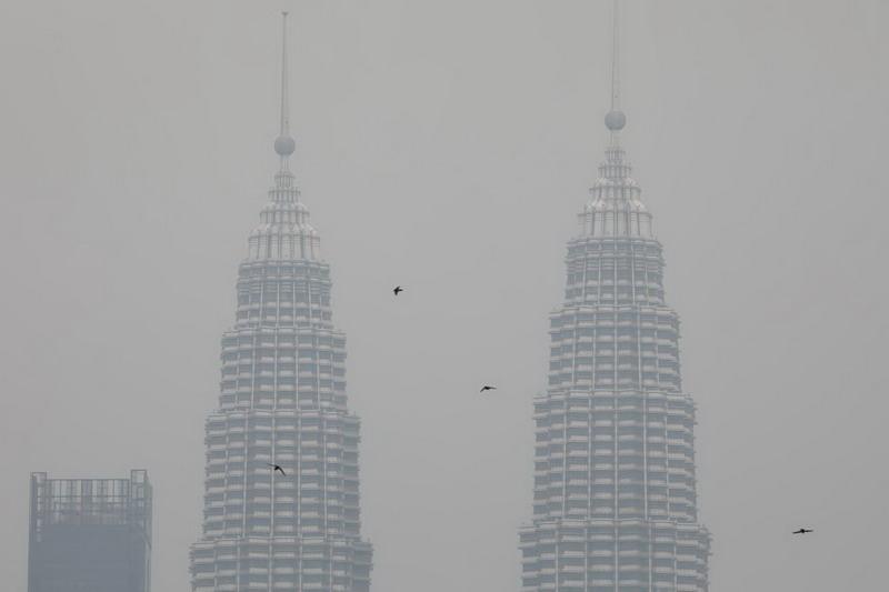 https: img-z.okeinfo.net content 2019 09 15 18 2105173 malaysia-serahkan-penyelidikan-perusahaan-penyebab-kabut-asap-pada-indonesia-kPi3RAc6Sh.jpg