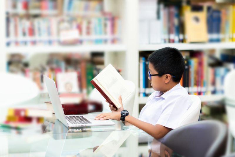https: img-z.okeinfo.net content 2019 09 15 338 2104972 hari-kunjung-perpustakaan-momentum-tingkatkan-minat-baca-anak-usia-dini-7WeYy3x5zZ.jpg