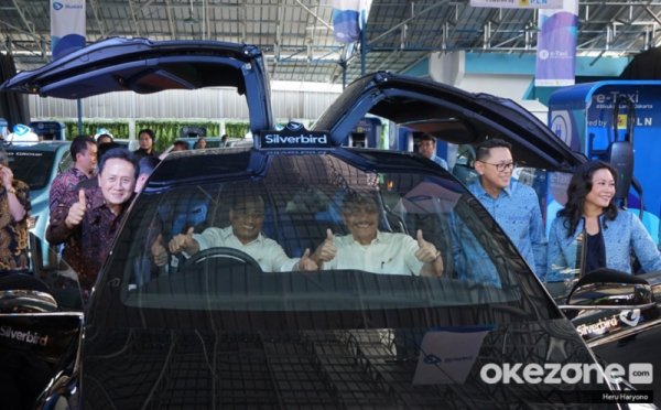 https: img-z.okeinfo.net content 2019 09 15 52 2105172 kehadiran-tesla-di-indonesia-harga-masih-tinggi-diminati-oleh-menteri-sgx4tzDtx7.jpg