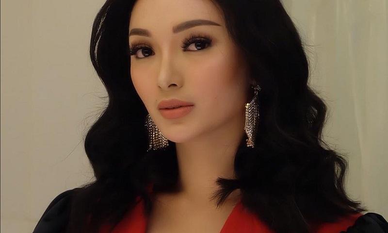 https: img-z.okeinfo.net content 2019 09 16 194 2105285 cantiknya-zaskia-gotik-dengan-outfit-rancangan-desainer-indonesia-K4JetF9GIh.jpg