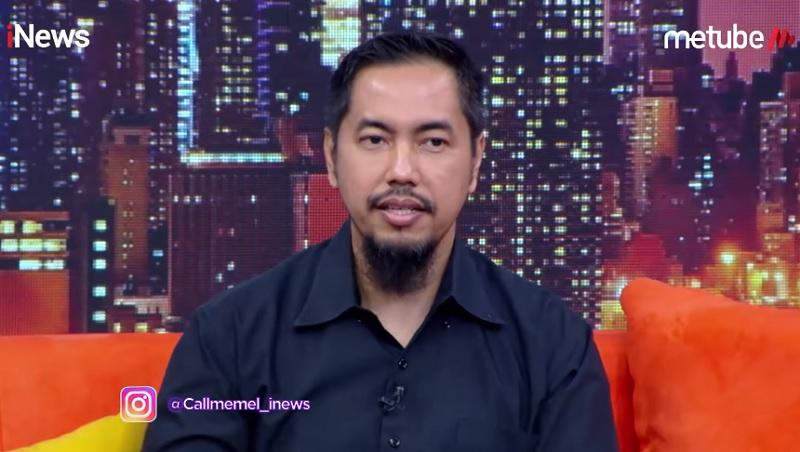 https: img-z.okeinfo.net content 2019 09 16 33 2105370 sunan-kalijaga-pamer-foto-mandi-uang-netizen-singgung-soal-hijrah-YYIDWThMKY.jpg